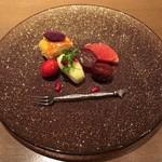 御料理 堀川 - 水物:薩摩芋パイ・ラフランス・石榴・ピンクグレープフルーツ・栗の渋皮煮・ピオーネ・イチゴ