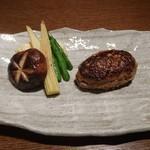 渋谷で真の山形牛を扱うお店 加藤牛肉店シブツウ - 山形牛100%ハンバーグ