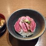 Katougyuunikutenshibutsuu - 牛たたきご飯