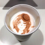 CROSSING CAFÉ - ちょっと飲んだら顔が長くなったラテアート