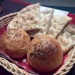 トルコ料理 アセナ - パン