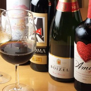 ソムリエが選んだこだわりのワインを是非どうぞ!!