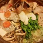 海鮮酒房 うめまる。 - お鍋は大粒の牡蠣が入って海鮮の旨味凝縮でしたー(;ω;)♡