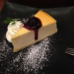 59737160 - 2016年10月:ニューヨークチーズケーキ~ブルーベリーソース添え~(単品\620)