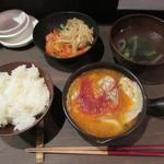 東京餃子 あかり - 坦々水餃子定食 600円