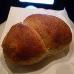 imbiss カリーブルスト - ☆ふっくらもっちりなパンも付いていましたぁ(^◇^)☆
