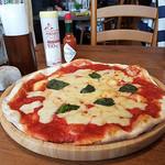 ジョリーパスタ - 大きい円周のピッツアマルゲリータ♡トマトソースはセントラスキッチンで安定感あるある♡
