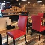 トカチ一心 ミートバル - テーブル席の他、仕切られた個室風もあります