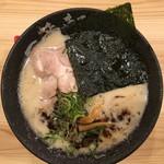 熟成とんこつラーメン専門 一番軒 - 黒豚骨ラーメン 730円