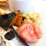 Bistro Galop - フレッシュトマトの香草ビネグレット和え・かぼちゃのビネガーマリネ・エビとアボカドのサラダ '16 3月中旬