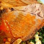 麺や 蓮と凜 - 黒カレー担々麺(チャーシュー:豚肩ロース)