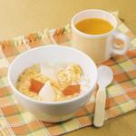 焼肉ダイニング GYUBEI - 【オレンジジュース付き】玉子クッパ(ぞうすい) お子様でもご安心してお召し上がりいただけるお子様専用キッズメニューです。玉子クッパ(ぞうすい)、オレンジジュースのセットです。