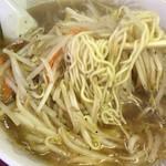 中華料理 珍萬 - もやしそば 麺リフト