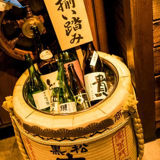 酒好きの船長が愛する、日本酒多数!