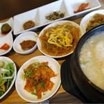 59754195 - サムゲタンスープ定食 ¥1,000(税別)