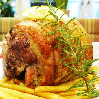 ★ローマの伝統料理!豚バラ肉の香草ロースト「ポルケッタ」