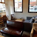 アンドスイーツ - 2階のソファー席(2016年12月)