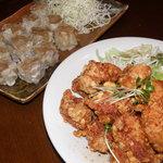 食処酒処いいおか - 鶏の唐揚と肉シュウマイ