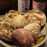 酒の○ Tiger - 料理写真:築地直送の魚介類