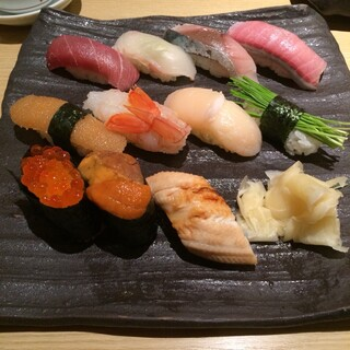 すし 堺 - おまかせ握り。 税抜1990円。 美味し。