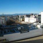 龍福園 - ('10/12)大きな窓からは、立川の西側の風景が広がります。