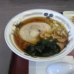 山田うどん - 料理写真:「しょうゆラーメン」です。