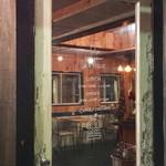 カフェ&ダイナー ジャンティーク - 扉にお店の案内が◎