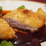 マゼランズ - 三元豚のカツレツ、ポルトソース