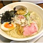 海坂屋 - 特製汐そば 1000円 貝出汁の染みわたる塩スープがステキ♪