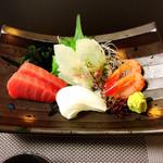 藤くら - 料理写真:お刺身盛り合わせ