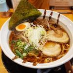 八六麺屋 - 料理写真:八六ブラック780円