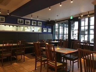 ドゥブルベ・ボレロ 大阪本町店 - カフェ