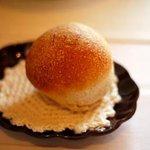 5979933 - 全粒粉のパン