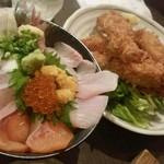 59795851 - 海鮮丼とエビフライ