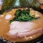 59797898 - 家系豚骨醤油ラーメン