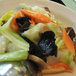 猪八戒 - お得ランチの「五目野菜とイカの炒め」