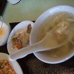 猪八戒 - お得ランチに付く「スープ、ザーサイ、杏仁豆腐」
