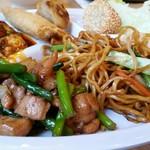九寨溝 - 鶏肉とにんにくの茎の炒め物