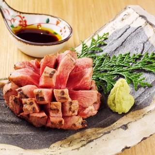 築地直送鮮魚や産直野菜を使用した和食:牛の炙り肉寿司もご用意