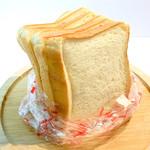 ベイクショップ アンシェンヌ - 料理写真:特上食パン