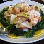 茘香尊 - 魚介と野菜の炒め