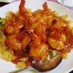 茘香尊 - 殻付き海老のチリソース