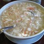茘香尊 - 蟹肉入りフカヒレスープ