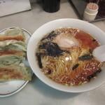 昇龍 - 餃子とラーメン