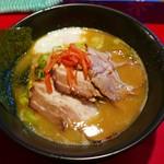 ラーメン大中 - バラロース肉大中ラーメン(690円)