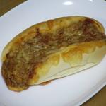 パン工房 マルジュウ - タコスピザ170円(外税)。