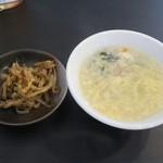 玲玲家園菜 - ランチの搾菜とスープ