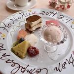 パボーロ・パブーロ - 料理写真:ANNIVERSARIO ~記念日サービス~ お誕生日やご結婚記念日など、お祝いの際は、デザートのプレートにお名前やメッセージをお入れして、キャンドルサービス✨ インスタントカメラでの写真撮影も... (前日までの要予約)