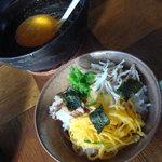 鶏飯食堂 HABUS - トッピングしてスープをかける