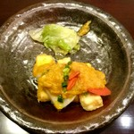 過門香 - 海老芋と京豆腐の香り揚げ 抹茶スパイシー仕立て